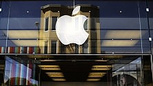Apple, trimestrale record boom vendite per iPhone Accordo con Ibm nel vivo