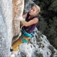 """Mani e piedi d'acciaio   Foto   la ragazza arrampicata  sulla mitica """"Tom et je ris"""""""