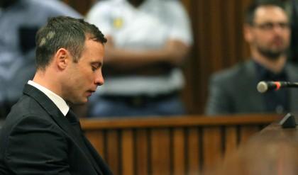 Pistorius condannato a cinque anni di prigione
