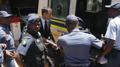 Pistorius, 5 anni di carcere   video   per l'omicidio della fidanzata   foto