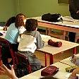 """Torino, maestre sospese per il  tema shock : """"Preferiresti che morisse prima mamma o papà?"""""""