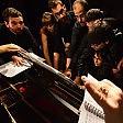 Concerto da record in 18 al piano