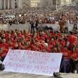 """Licenziamenti Meridiana, appello del Papa all'azienda: """"Per favore, non lasciate nessuno senza lavoro""""   video"""