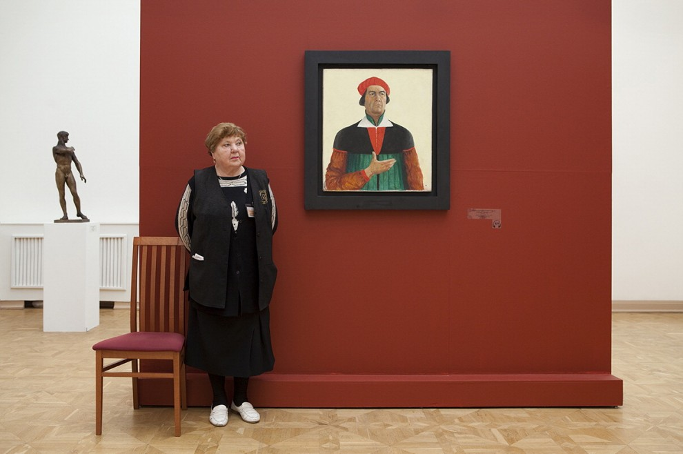 Qui nessuno tocca niente: nei musei russi vigilano le custodi