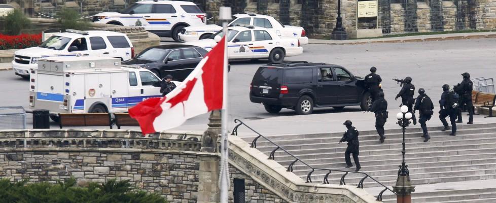 Canada sotto attacco: sparatoria in Parlamento e al Memorial War, due morti