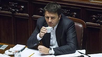 Renzi in Senato prima del Consiglio Ue 'Con nuova commissione si volta pagina'   vd