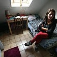 """La studentessa 'cacciata'  da 6 metri quadri a Parigi diventa un caso  """"Ho solo chiesto la ricevuta"""""""