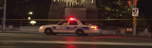 Ottawa, attacco al Parlamento. Morto soldato Ucciso attentatore: canadese convertito a islam     Video   Lo scontro a fuoco nel Palazzo    -   foto   -   vd