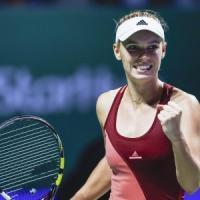 Tennis, finali Wta: la Wozniacki batte la Radwanska. Valencia, Fognini ko con Murray
