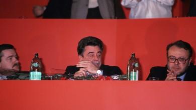 """La sinistra  da Occhetto a Renzi   Guarda il docufilm  """"La bandiera rossa"""""""