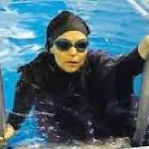 Sesto s giovanni la piscina che chiude agli uomini per for Piscina olimpia a sesto san giovanni