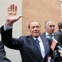 """Berlusconi dà l'ok a Renzi: """"Legge tedesca per unioni gay"""". Su Italicum sì a confronto"""