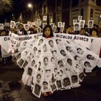 """Studenti scomparsi in Messico, la Procura: """"E' stato il sindaco a consegnarli ai narcos""""...."""