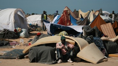Tunisia, i profughi della guerra libica  nel campo di confine lasciati soli  e pronti ad imbarcarsi per l'Europa