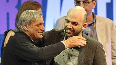 Roma, agli Stati generali dell'antimafia   vd    l'abbraccio tra Don Ciotti e Saviano -  foto