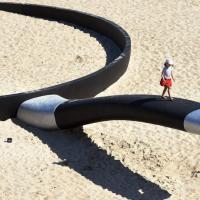 Sydney, sculture sulla sabbia: il paesaggio che non ti aspetti