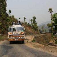Nepal: autobus in scarpata, 15 morti e decine di feriti tra cui due italiane