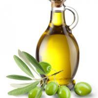 Olio d'oliva, il Parlamento approva il tappo antirabbocco. Basta bottiglie anonime nei...