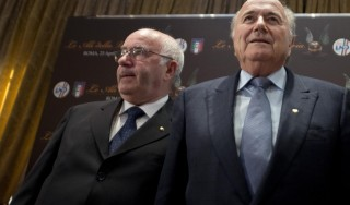 """Calcio, Blatter sta con Tavecchio: """"Avanzerò la proposta della tecnologia in campo"""""""