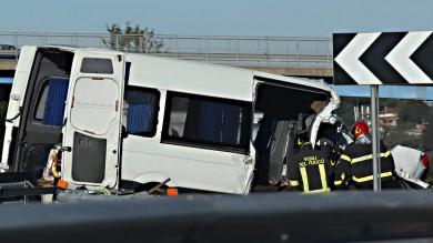 Incidente sulla A1 vicino a Roma  Sei le vittime e otto i feriti   foto