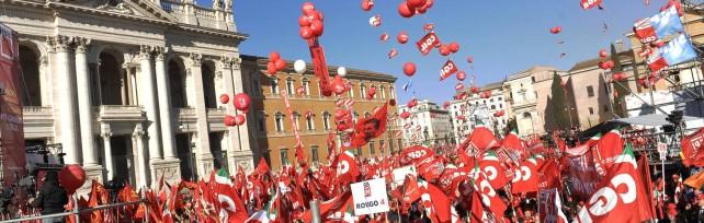 """Cgil: un milione a Roma   foto   /   Cronaca tweet   Camusso: """"Avanti con sciopero generale""""   video"""