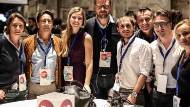 """Leopolda, Renzi """"Bella piazza  ma non può  fermare il Paese""""   Foto  15 sul palco"""