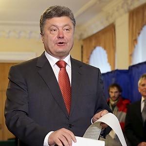 """Ucraina, vittoria dei partiti europeisti. Poroshenko non sfonda, costretto a coalizione con premier<span itemprop=""""articleBody""""> </span>"""