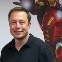 """Elon Musk: """"Affidare l'intelligenza ai computer è come invocare"""