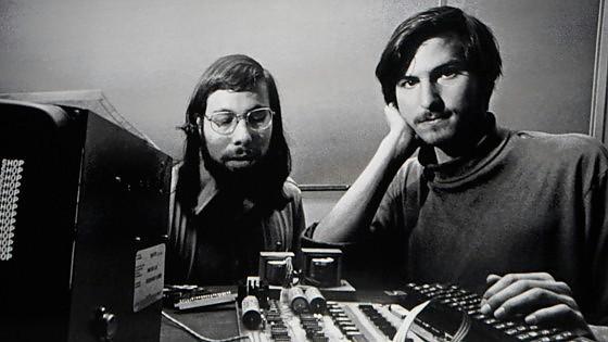 """Wozniak: """"Apple sbaglia, apra gli standard di proprietà al mondo"""""""