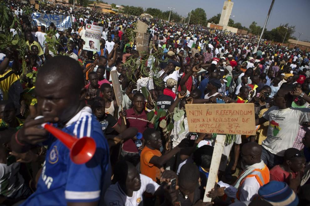 Burkina Faso, migliaia di manifestanti contro la polizia