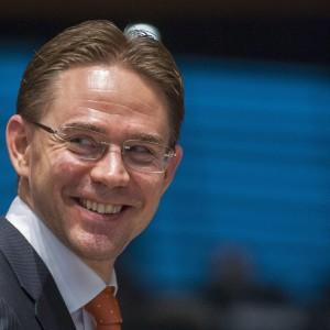 """Katainen frena sull'Italia: """"Possibili procedure in futuro"""". Dall'Ue 43 miliardi per il 2014-2020"""