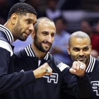 Basket Nba, buona la prima per San Antonio. Dallas ko nella notte degli anelli