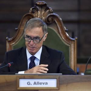 Istat: oltre 1 italiano su 4 a rischio povertà. Il 50% delle famiglie ha meno di 2mila euro al mese