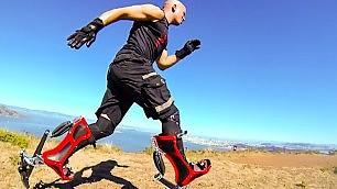 A 40 km/h con gli stivali bionici l'inventore è un barista americano    foto