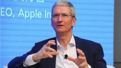 "Apple, il coming out di Tim Cook   foto   ""Essere gay è un regalo di Dio"""