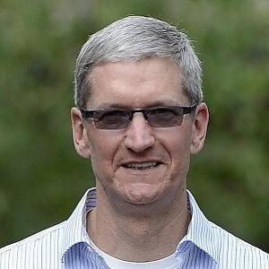 """Apple, Tim Cook: """"Orgoglioso di essere gay, un dono di Dio"""""""