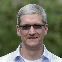 "Apple, Tim Cook: ""Orgoglioso di essere gay, un dono di Dio"""