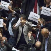 """Scontri, Camusso a Renzi: """"Abbassi i manganelli"""". Alfano alle Camere: """"Brutto giorno per..."""