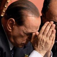 """Il caso de Magistris agita Fi. I fedelissimi di Berlusconi: """"Due pesi e due misure"""""""