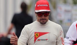 Ferrari, Alonso dribbla il futuro: ''Concentrato sulla pista''