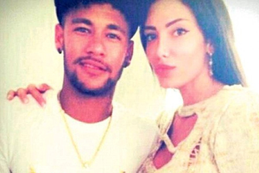 Jet Privato Di Neymar : Neymar l amore va veloce jet privato per la fidanzata