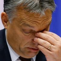 Ungheria: Orban congela la tassa su Internet