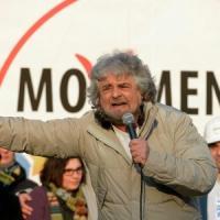 Radio  Capital invia soldi per Genova per intervistare Grillo, ma lui non si presenta