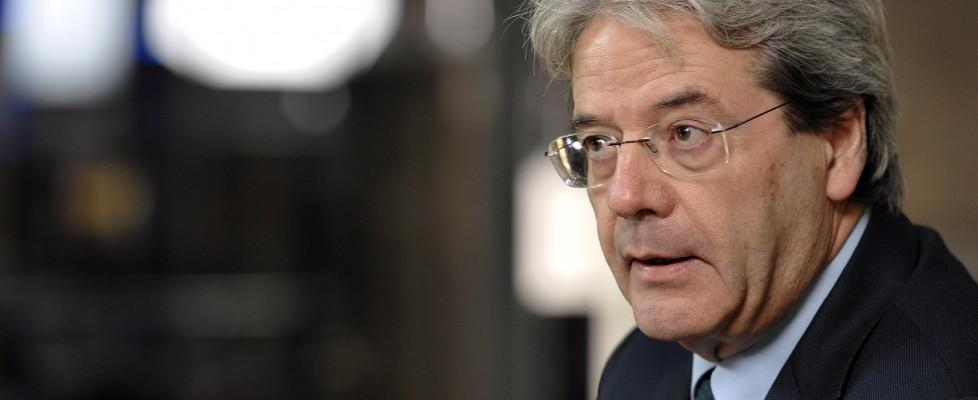 """Gentiloni giura al Quirinale, è il nuovo ministro degli Esteri: """"Governo dev'essere all'altezza"""""""