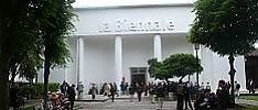 Al via la Biennale firmata Enwezor Si ispira al Capitale e a Benjamin