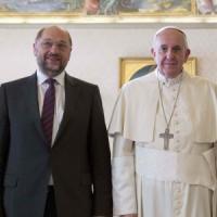 """Il timore di Schulz """"Il Califfato è un grave pericolo anche per l'Europa"""""""