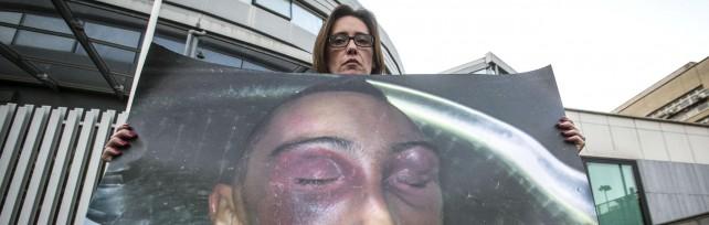 """Cucchi, sentenza di appello: tutti assolti   video       La famiglia in lacrime: """"Verdetto assurdo""""   foto"""