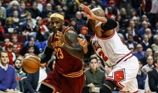 Basket, Nba: San Antonio cade a Phoenix, primo sorriso per LeBron