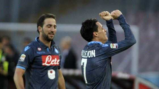 Napoli-Roma 2-0: Higuain e Callejon stendono i giallorossi, al San Paolo è solo festa