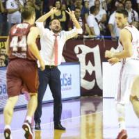 Basket, Recalcati batte Pozzecco. Sassari mantiene la vetta